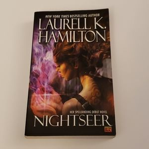 📚 5 for $20 Laurell K. Hamilton, Nightseer